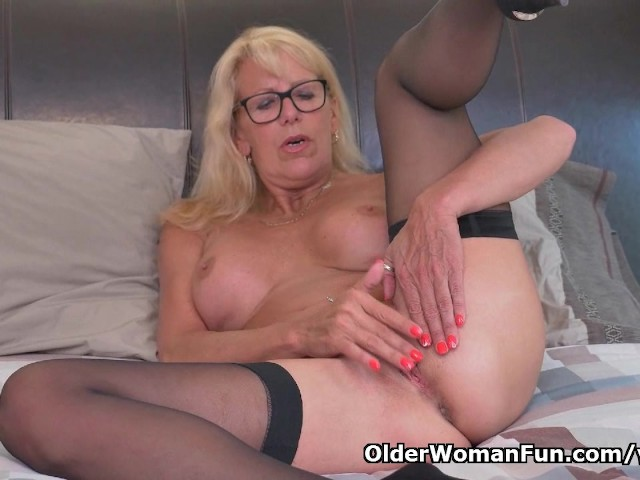 Shaved wet lesbian pussy